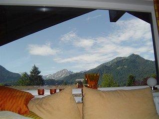 Exclusive  DG-Wohnung, phantastischer Bergblick + Südbalkon, ruhige Lage