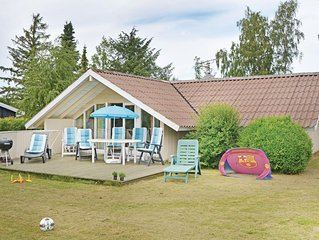 3 bedroom accommodation in Dronningmølle