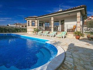 Ferienhaus Kastel für 4 Personen mit 2 Schlafzimmern - Villa