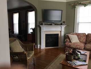 Lovely and convenient beautiful Saratoga Springs home