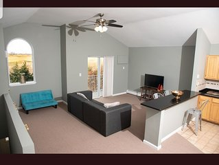 Private*Comfort*Style*Space*Views*Parking* Near NYC & all airports! Come stay!