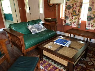 Cozy, eclectic, private Mid-Town Bungalow w/ Air Hockey Table & Piano!
