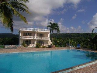 2-Zimmer-Apartment mit Kuche, Terrasse, Garten und Pool, Strand- + Stadtnah