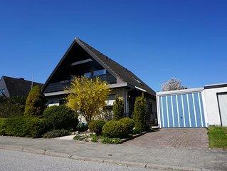 Freistehendes Haus in ruhiger Umgebung, nahe Ortskern und 7 km zum Strand