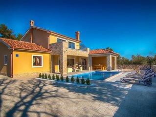 Brandneue Villa mit Pool,500 Meter vom Strand, Grill,Meerblick, in ruhige Lage