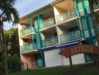 Studio tout confort a St Anne, Martinique . Equipements neufs et luxueux. (2017)