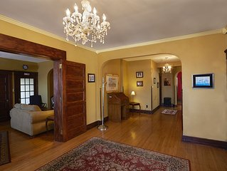 Huge 2000 sqft in the Center of the City