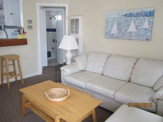 Cozy Beach Apartment in Trendy Belmont Shore! Special Rate January 2019