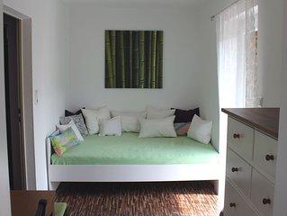 Schon renovierte kleine Wohnung, ruhig und doch zentral, mit gutem Nahverkehr
