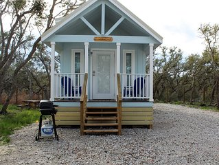 Coast Oak -Beautiful New Tiny Cottage - Perfect Family Getaway
