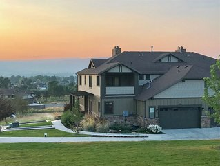 New Home!! Amazing Views close to skiing, walk to golf and spas