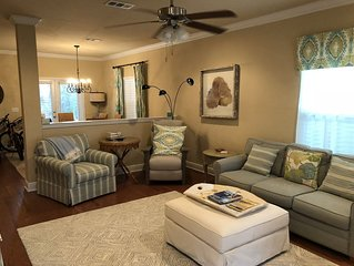 30ALoop: Brightly decorated, Immaculate and Fun 3brm 2 1/2 bath Beach House.