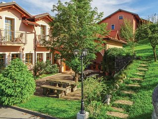 2 Zimmer Unterkunft in Pivka