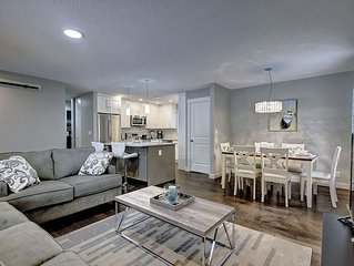 ABSOLUTELY GOURGEOUS 5BR, 2BATHS, AC, 3 LRT STOPS TO DT, MINS TO A/P, SLEEPS 10