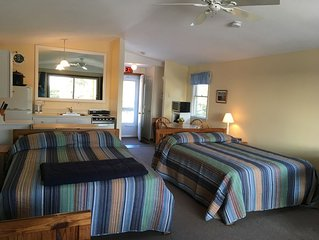 North Truro  Condo W/Private Balcony and 2 Queen Beds