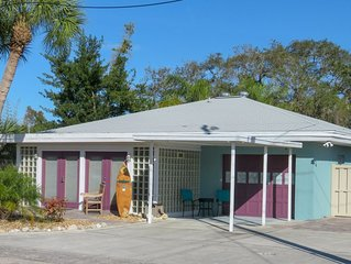 *SUMMER PRICING* Cozy and spacious cottage with a short walk to the beach!