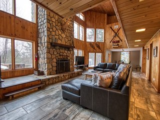 Doe-A-Deer Chalet in Jay NY Perfect for Large Groups Close to Whiteface Mountain