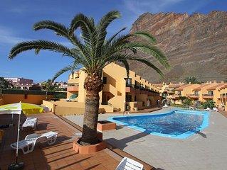 Strandnahe Ferienwohnung mit zwei Balkonen und Pool