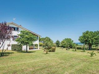 6 Zimmer Unterkunft in San Costanzo -PU-