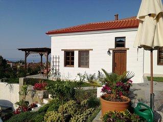 Ferienhaus mit Panoramablick für 5 Personen - im Dorf am Meer- Nikiti/Chalkidiki
