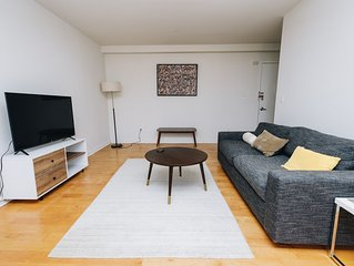 Quiet and renovated 2BR in elevator building