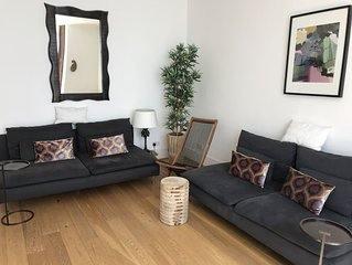 Near Hyde Park ,Bright 2 bedroom apartment .Paddington Station 5mins walk .