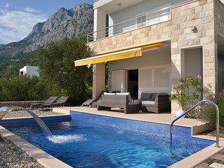 Luxeriöse Villa mit Pool, Wasserfall, Garage und Grillplatz zur Alleinnutzung