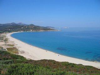 DUPLEX  climatise , idealement situe pour decouvrir la corse , plage a 200 m