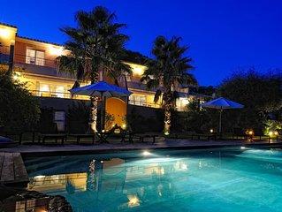 villa haut standing*** avec piscine chauffée, proche centre ville