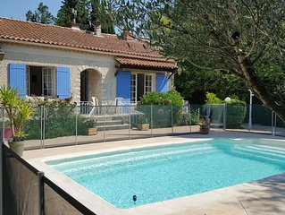 Provencal house with pool Entraigues, in the heart of Provence