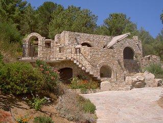 Villa en pierre à 7min de la plage à pied, dans domaine avec piscine chauffée