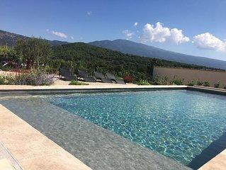Maison neuve style loft climatisée avec piscine chauffée