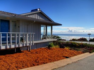 Spectacular Oceanfront Views, Pets, Fireplace, Chef's Kitchen