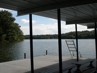 COZY 1 BEDROOM APARTMENT ON LAKE HARTWELL WITH DOCK/MINUTES FROM TUGALOO ST PARK