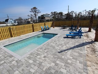 Gulf View Walk To Beach Pet Friendly Private Pool Fenced Yard Monthly Available!