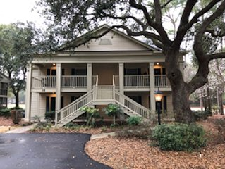 Pawleys Plantation: Gated, Comfortable, 2nd Floor Condo on the 11th Green