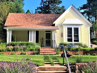 1898 Victorian Bungalow Nestled at the Base of Pikes Peak-Near Attractions
