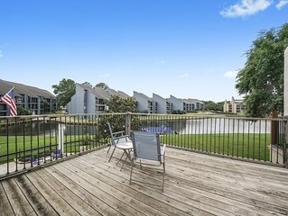 Family Friendly Waterfront Townhouse with boat tie-up