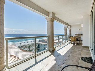 Beautiful Gulf Front View, 2 Balconies Featuring a Grill