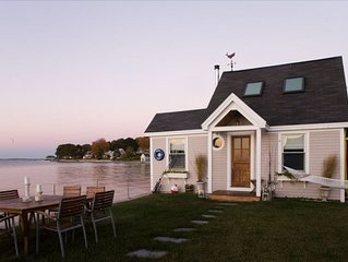 The 'Water House' Cottage is on a Sandy Beach! Amazing Views!!