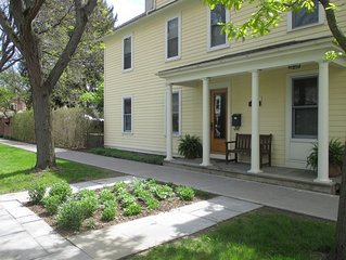 Delightful Downtown Ithaca Home & Garden, Professionally cleaned + 48 hr buffer