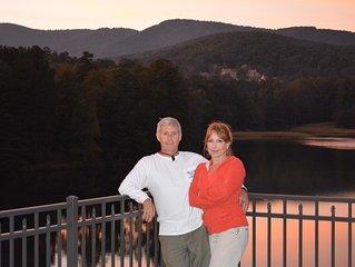 'Tree House Treasure' with Seasonal Lake views.  Over 50 Five Star Reviews!