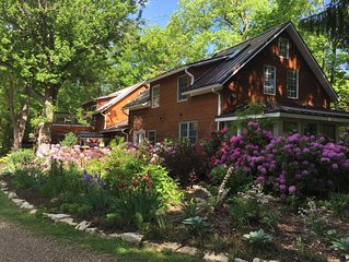 Stunning Inn On 30 Acres With Pool, Woods, River, Trails, Farm, Near Beach!