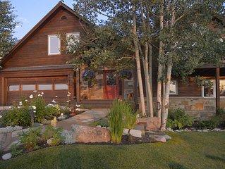 Luxury 4 Bedroom, 3.5 Bath Home, Hot Tub! Big Decks & Expansive Views!