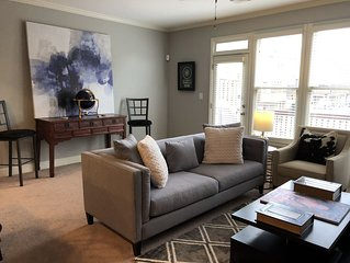 Brownstone Townhouse within minutes to Avalon/Downtown Alpharetta