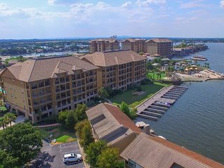 Newly Renovated Waterfront Townhome Near the Yacht Club with Dock