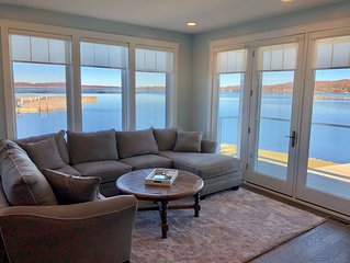 Luxuriously Appointed Lakefront Condo with Amazing Views of Lake Charlevoix WiFi
