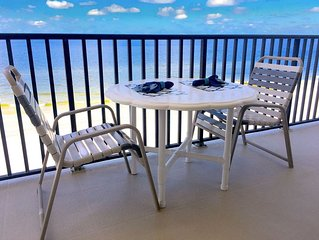 BEST BEACH DEALS! Beautiful Beach Front Condo! Listen To The Waves Large Kitchen