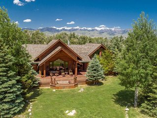 Gorgeous mountain lodge at the base of Emigrant Peak with pond, sleeps 8