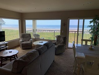 Oceanfront 4th floor, Balcony with Spectacular Ocean Views, NEW FURNITURE, NEW T